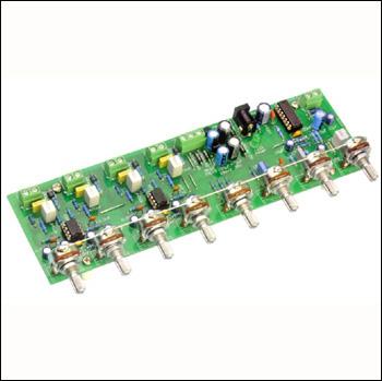 Четырёхканальный аудиомикшер, схема которого приведена ниже, можно использовать как дома для создания караоке из mp-3...